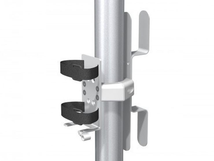 RS-0021-03 - 带缆线夹的单电源架,用于 2 英寸/5.1 厘米立柱